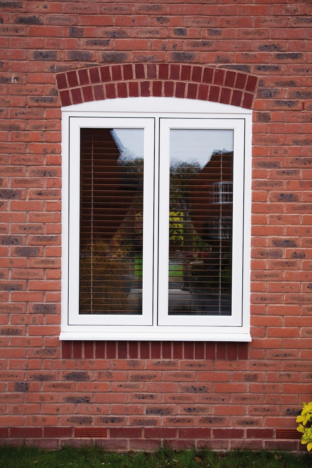 Timber alternative windows dwl windows doors for Window house style