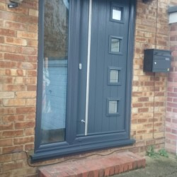Anthracite grey Solidor and white aluminium bifolds installed in Kent by DWL1 white bifolding doors